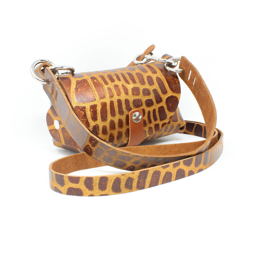 lederliebe-the-bomb-giraffe-manufaktur-gschwendtberger